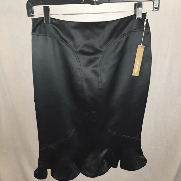 Zac Posen Dresses & Skirts - Zac Posen Wool/Silk Tulip Hem Skirt